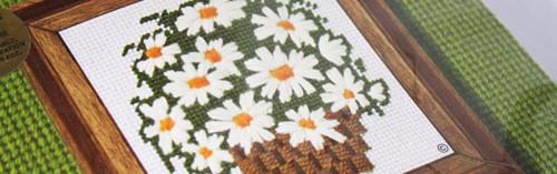 Sunset Designs Needle Pointers White Daisy Bouquet Needlepoint Kit