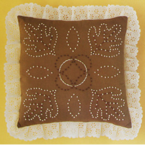 Candlewicking Embroidery Kit Sandalwood Pillow M.H. Yarns #CW10