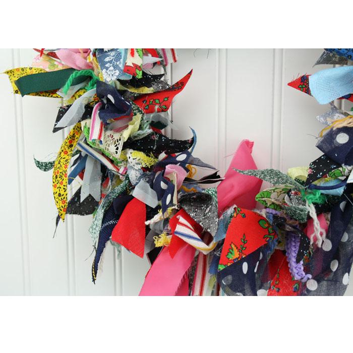 "15"" Fabric Rag Wreath ""Polka Dot"""