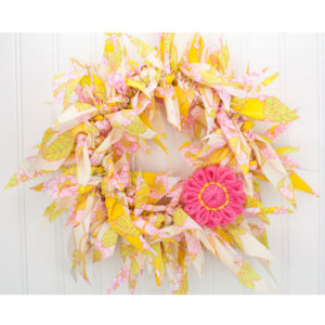 "13"" Vintage Fabric Rag Wreath w/ Pink Daisy"