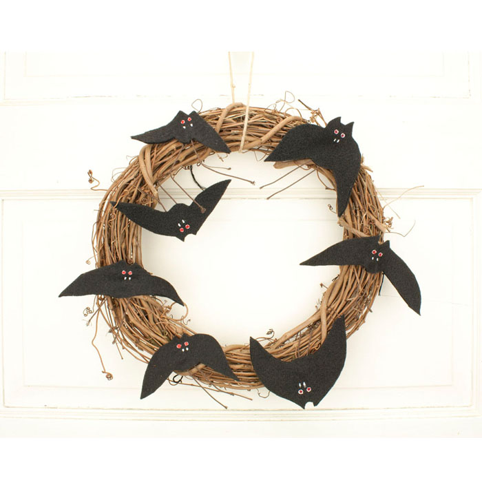 "12"" Halloween Grapevine Wreath with Bats"
