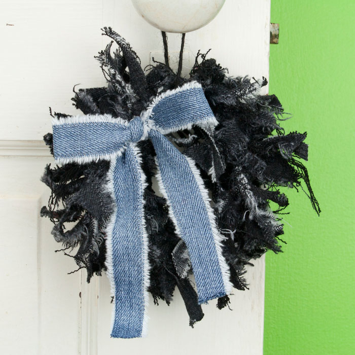 Black Jean Mini Rag Wreath with Blue Jean Bow