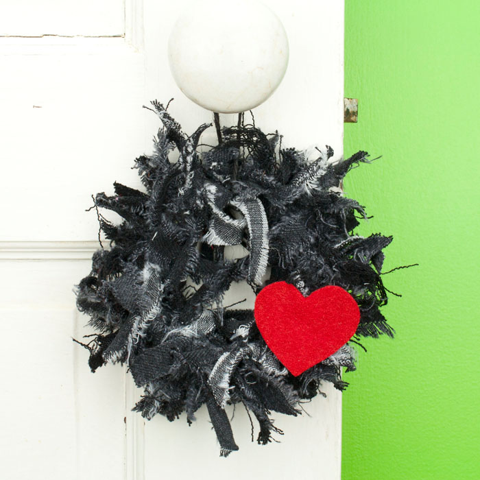 Black Jean Mini Rag Wreath with Red Heart