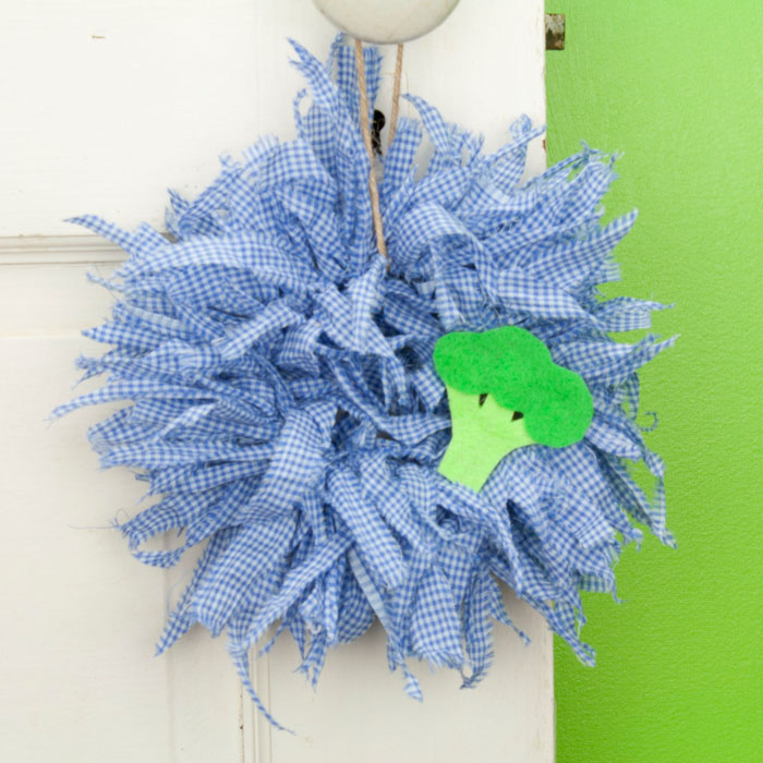 Blue Gingham Mini Rag Wreath with Broccoli