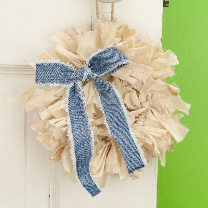 Tea Stained Mini Rag Wreath with Jean Bow