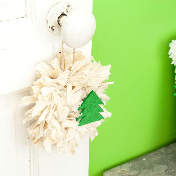 Tea Stained Mini Rag Wreath with Tree